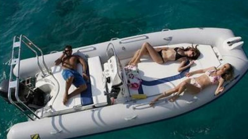 alquiler barco denia zodiac medline